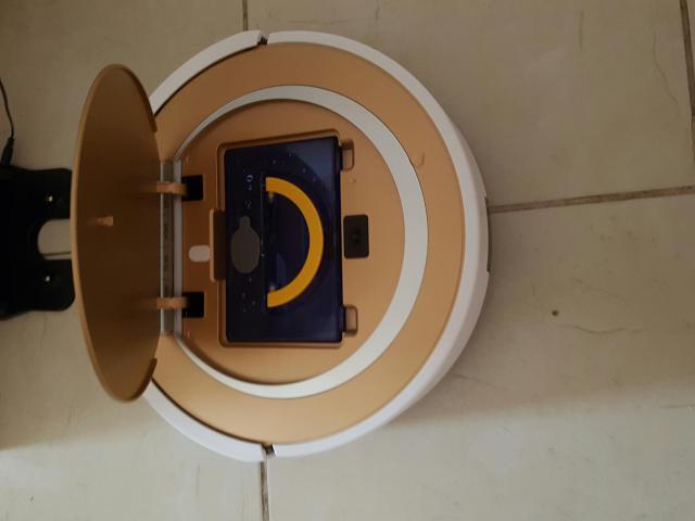 ilife-x5 trappe ouverte et bac de lavage des sols
