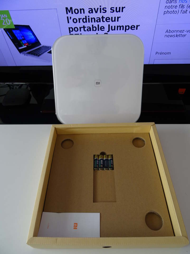 Xiaomi Mi Smart Scale - package complet avec pile balance et notice