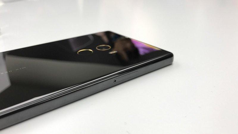 Xiaomi-mi-mix-thickness smartphone