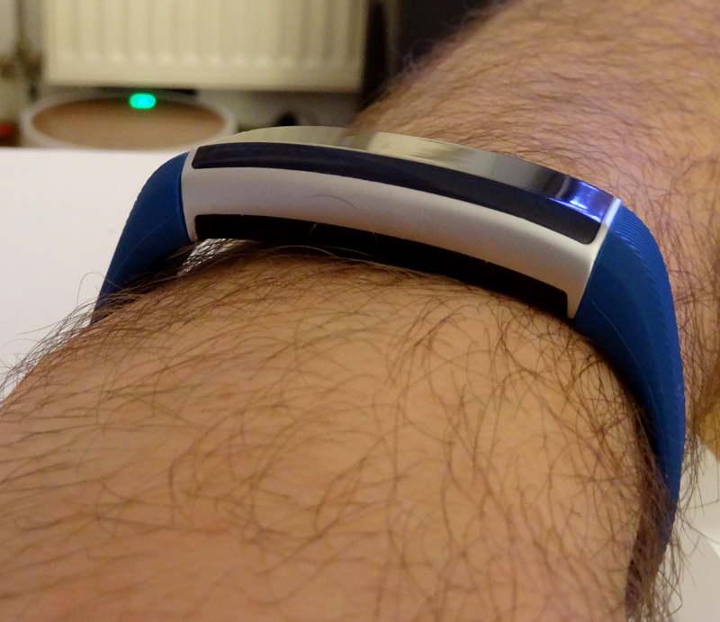 smartband Zeblaze ZeBand BLE 4.0 - épaisseur du bracelet connecté