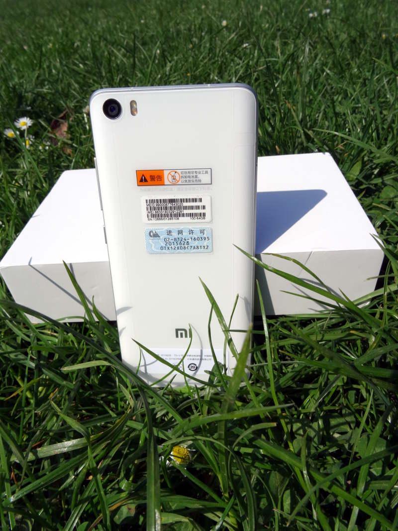 Test Xiaomi Mi5 - arriere smartphone