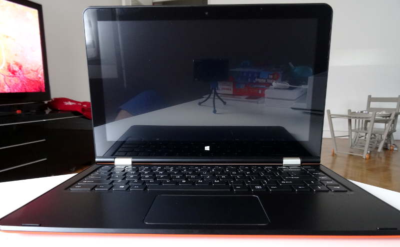 VOYO VBook V3 - open screen
