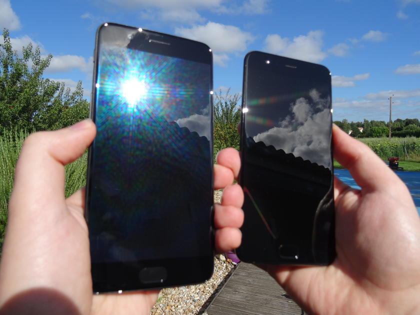 OnePlus 5 VS Xiaomi mi6 - meilleurs smartphones chinois 2017 - dans la main