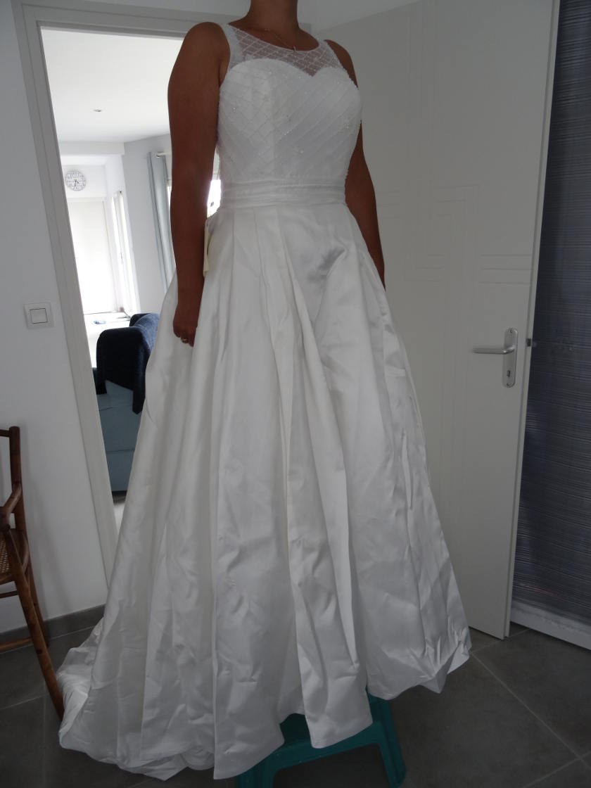 Robe de mariée lightinthebox - essayage devant