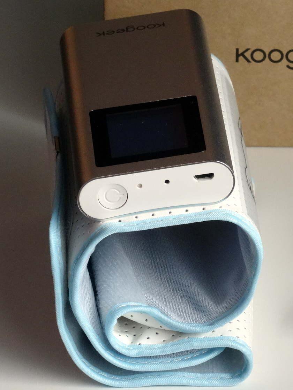 Tensiomètre Koogeek BP2 - bouton et prise micro usb
