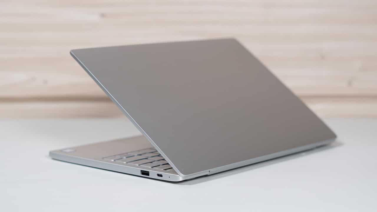 PC Portable Xiaomi air 12 gris - ouvert