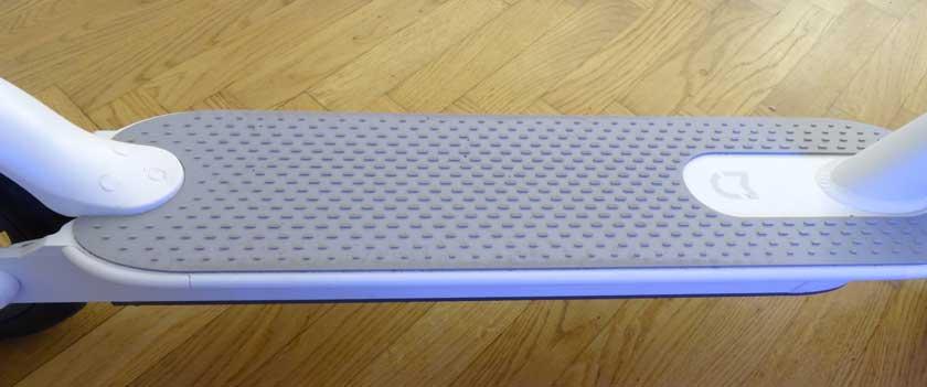 Xiaomi M365 planche support pieds caoutchouc