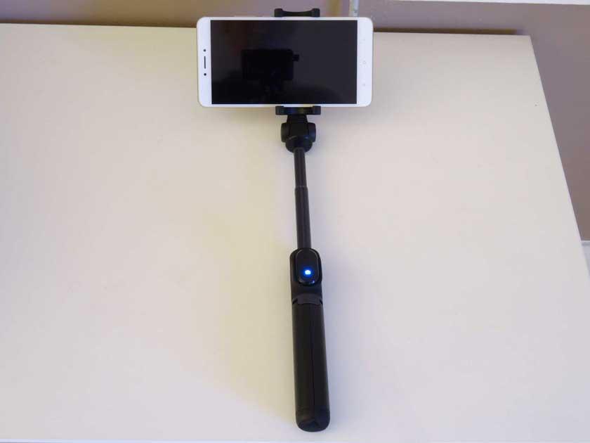 Xiaomi-Selfie-stick-perche-avec-xiaomi-mi-max-2