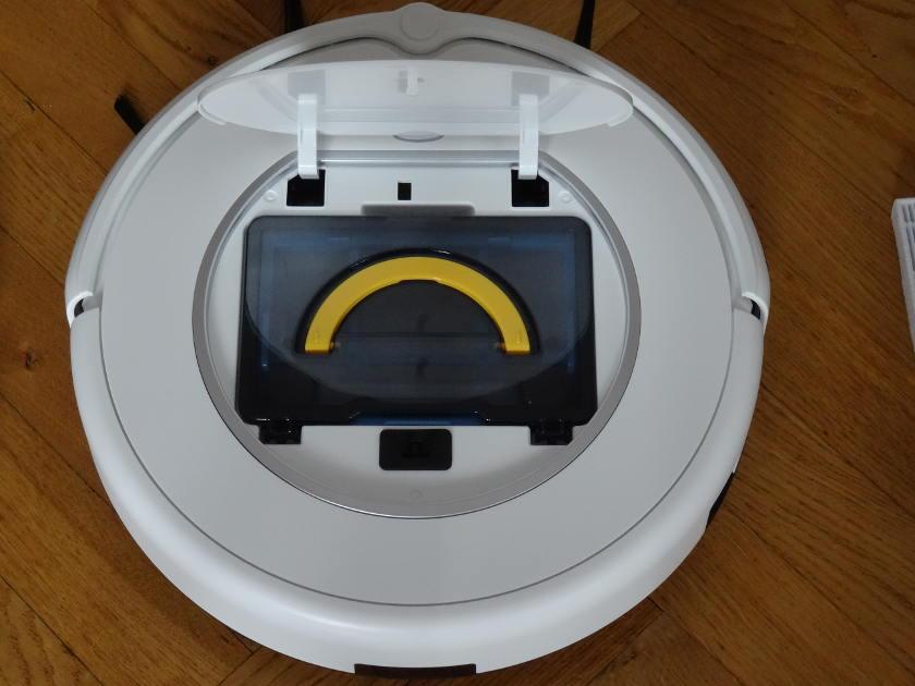 iLife V1 - bac à poussière dans aspirateur robot