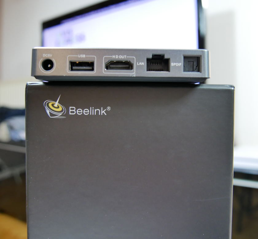 Test Box TV Beelink GT1 Ultimate ports usb hmdi rj45 optique alimentation