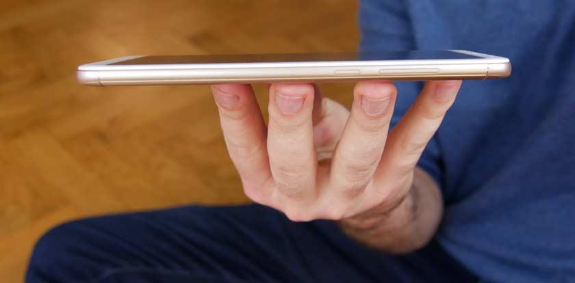 Xiaomi Redmi 5 Plus finesse et épaisseur