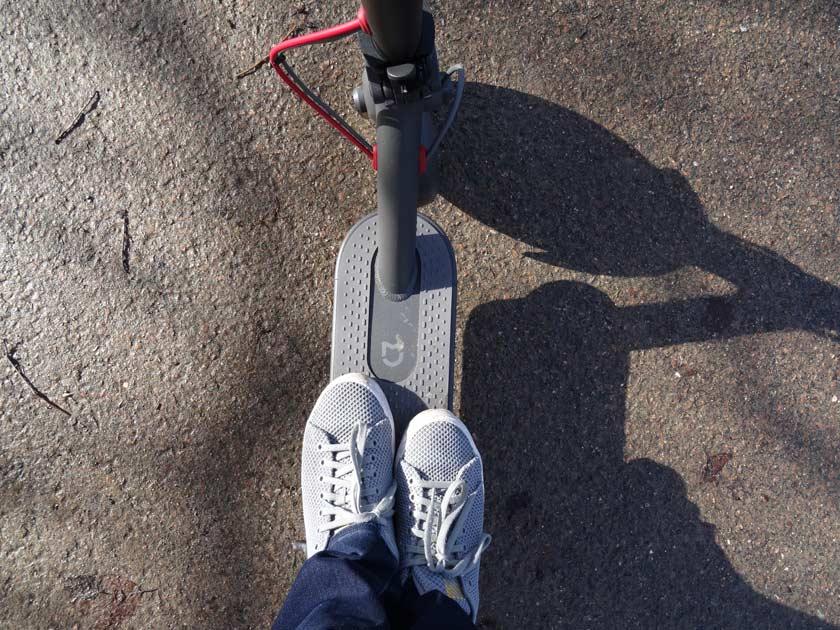 Test xiaomi m187 youth edition deux pieds dessus stabilité