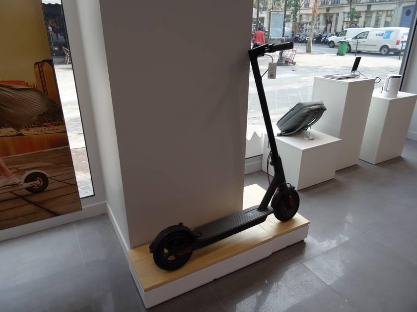 visite du xiaomi mi store a paris avis sur tous les produits. Black Bedroom Furniture Sets. Home Design Ideas