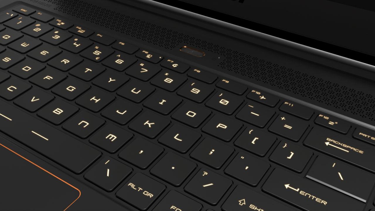 Le clavier est agréable à utiliser, si un peu raide.