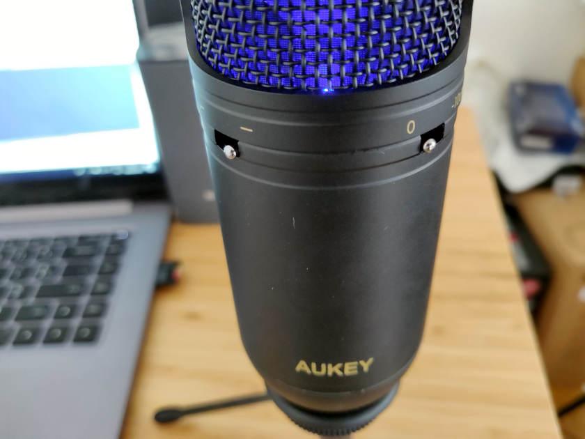 Test microphone Aukey MI-U2 commutateur passe bas et réduction décibel PAD