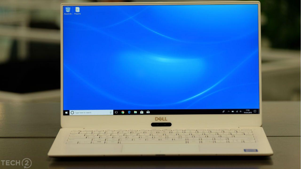 Ce n'est pas aussi précis et précis que le panneau certifié P3 du MacBook Pro 13, mais il est brillant, vif et très net.