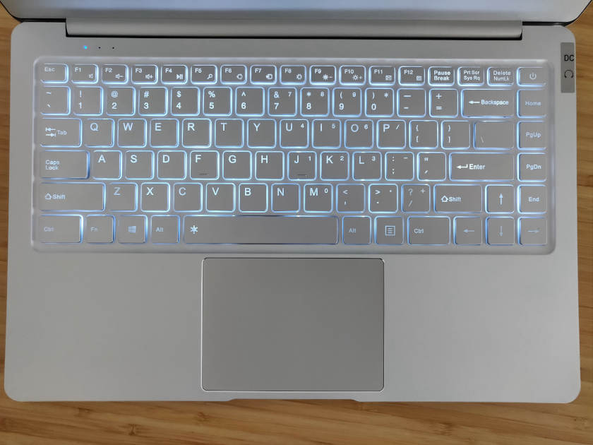 test jumper ezbook X4 clavier retro éclairé